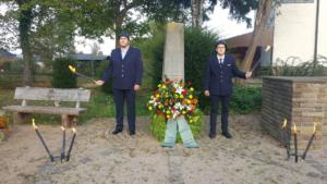 Read more about the article Kranzniederlegung am Kriegerdenkmal