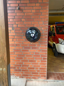 Read more about the article AED am Feuerwehrhaus angebracht